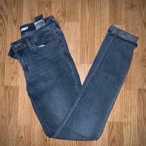 Levi 711 Skinny Jeans